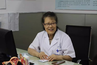 """成都中医药大学附属医院泌尿外科张永华教授:不要让""""尿失禁""""阻挡你的幸福"""