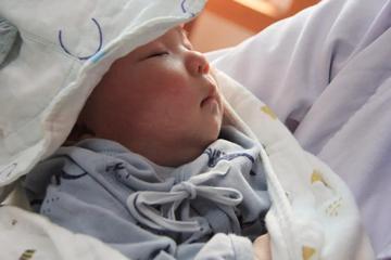 成都郫县盆腔粘连合并输卵管性不孕不育的她感恩而来